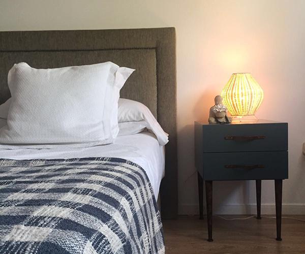 Mesitas de noche para completar la habitaci n muebles de - Mesitas de noche de diseno ...